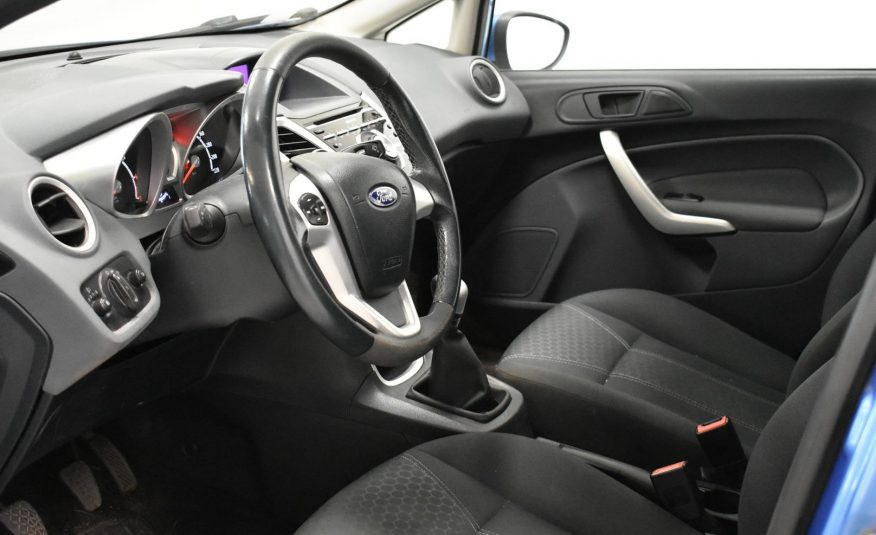 Ford Fiesta 1,25 82 Hv Titanium M5 5-ovinen (2011)